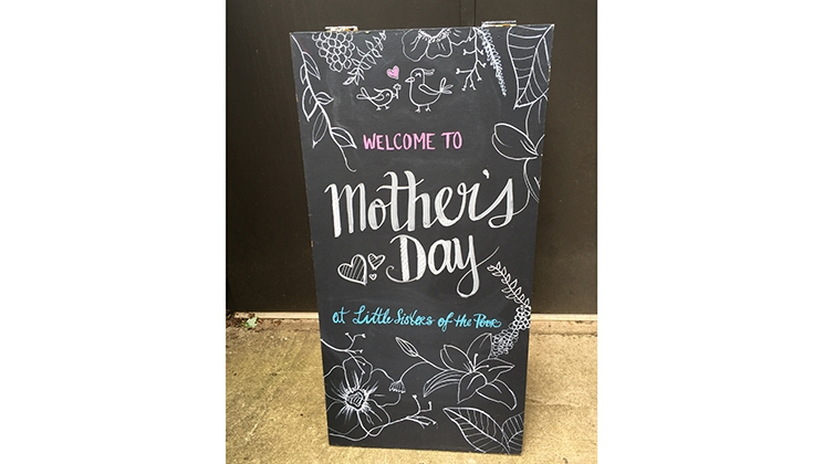 sign-for-Mothers-day